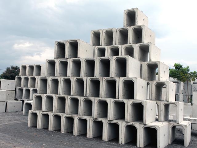 Instalasi Pembuatan U Ditch Megacon Concrete