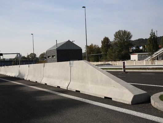 Jual Road Barrier (Pembatas Jalan Beton) di Padang Sidempuan