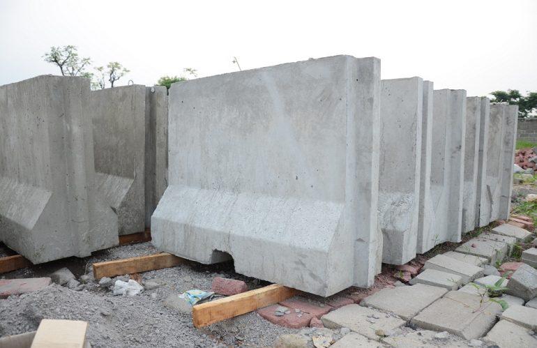 Jual Road Barrier (Pembatas Jalan Beton) di Banjarbaru